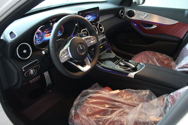 Mercedes-Benz C200 và C300 AMG Facelift 2019 sắp ra mắt tại Việt Nam - 9