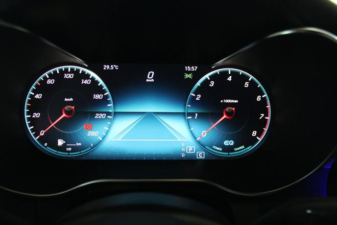 Mercedes-Benz C200 và C300 AMG Facelift 2019 sắp ra mắt tại Việt Nam - 11