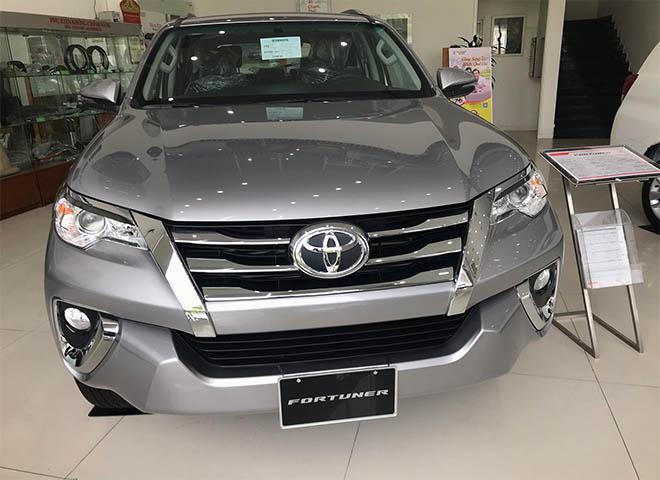 Cập nhật giá lăn bánh xe Toyota Fortuner 2019 mới nhất cùng nhiều ưu đãi hấp dẫn - 2