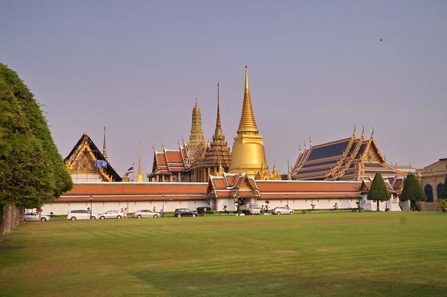 Cung điện dát vàng lớn nhất Thái Lan, sánh ngang với Tử Cấm Thành - 2