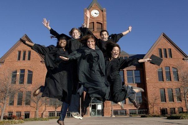 Nhiều sinh viên Việt Nam chọn đại học Mỹ vì môi trường thân thiện - 1
