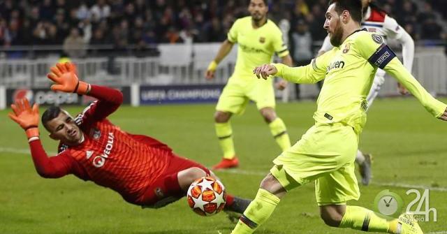 Messi sánh ngang Paul Scholes, Barca sợ vết xe đổ MU ở Champions League