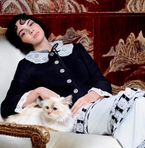 """Chuyện chưa kể về """"nàng thơ"""" đặc biệt của ông hoàng Chanel - 10"""
