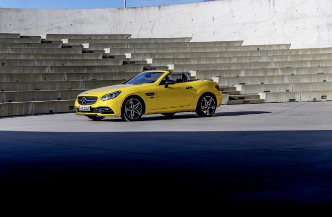 Mercedes-Benz SLC Final Edition - Lời tạm biệt của dòng mui trần mang tính biểu tượng - 1
