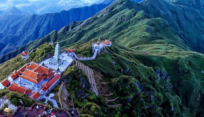 Chiêm ngưỡng tượng Phật cao nhất Việt Nam trên đỉnh núi Fansipan - 4