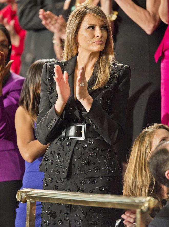 Phu nhân Tổng thống Mỹ sành hàng hiệu nhất thế giới: 1 chiếc áo cũng 1,2 tỷ đồng - 4