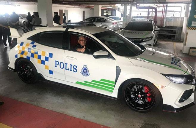 Cảnh sát Malaysia dùng Honda Civic Type R làm xe tuần tra - 4
