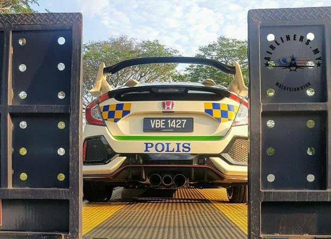 Cảnh sát Malaysia dùng Honda Civic Type R làm xe tuần tra - 5