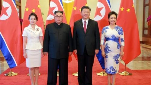 """Vì sao phu nhân ông Kim Jong-un là """"biểu tượng thời trang Triều Tiên""""? - 6"""