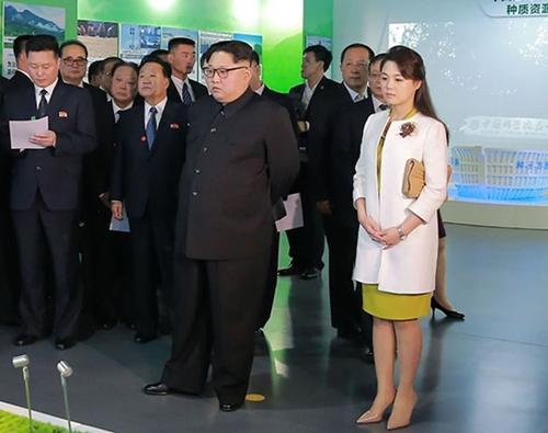 """Vì sao phu nhân ông Kim Jong-un là """"biểu tượng thời trang Triều Tiên""""? - 11"""