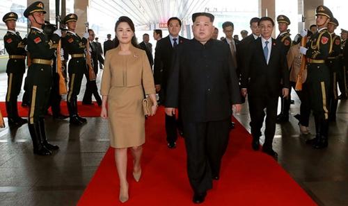 """Vì sao phu nhân ông Kim Jong-un là """"biểu tượng thời trang Triều Tiên""""? - 8"""