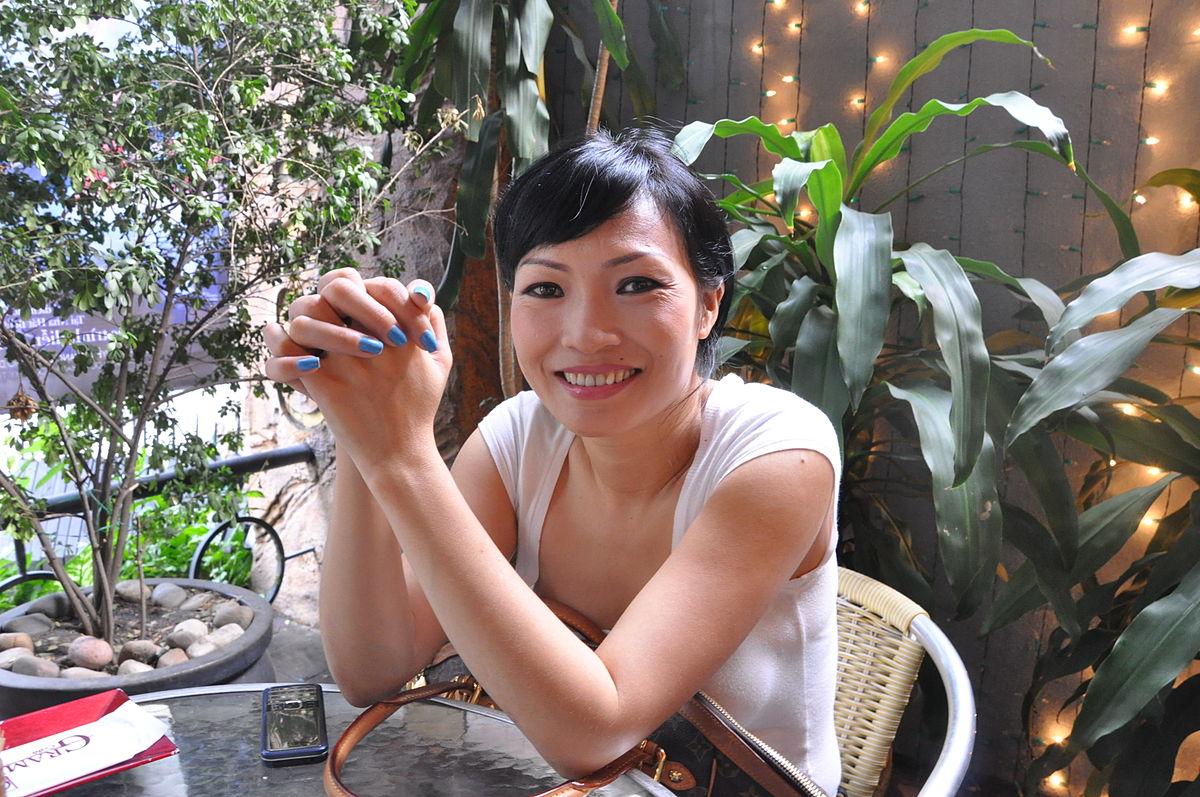"""Vụ ly hôn ngàn tỷ của vua cafe Trung Nguyên làm """"dậy sóng"""" tranh cãi showbiz Việt - 7"""