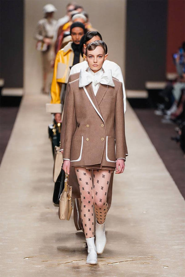 Tuyệt tác cuối cùng của Karl Lagerfeld cho Fendi - 1