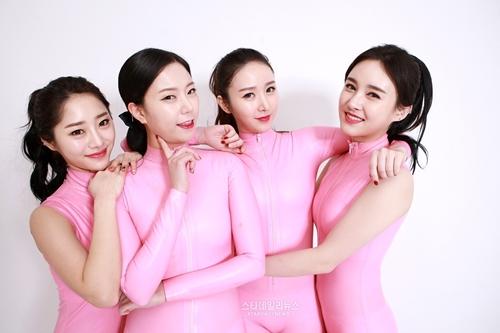 """Gái đẹp Hàn Quốc 1000 cô trông như 1 và ám ảnh """"đập đi xây lại"""" - 4"""