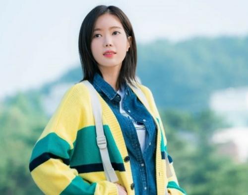 """Gái đẹp Hàn Quốc 1000 cô trông như 1 và ám ảnh """"đập đi xây lại"""" - 3"""