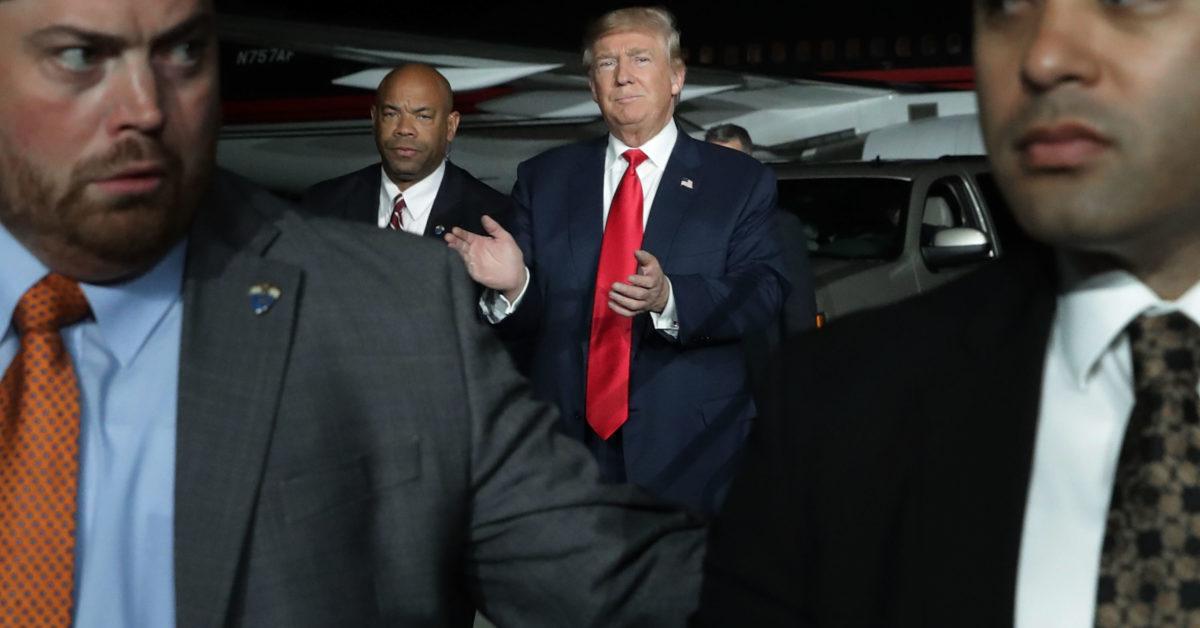 9 việc mật vụ phải làm để bảo đảm an toàn cho ông Trump ở nước ngoài - 1
