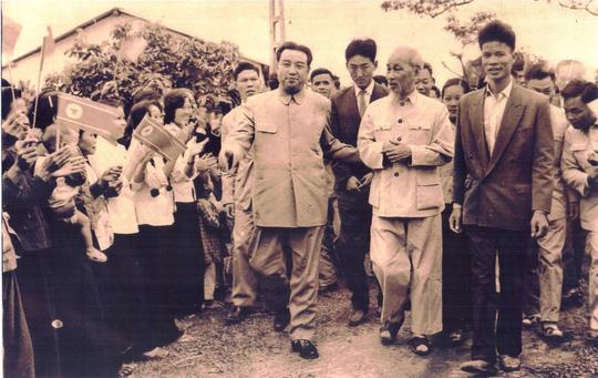 Câu chuyện đằng sau bức ảnh chụp Bác Hồ và Chủ tịch Kim Nhật Thành - 1