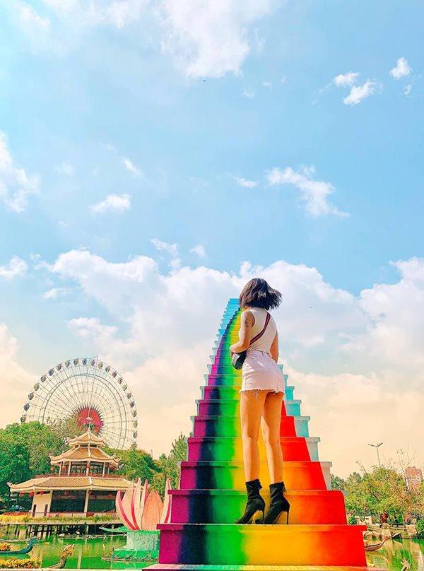 Xuất hiện 'cầu vồng chân mây' ở Sài Gòn khiến dân tình muốn xách balo lên và đi - 2