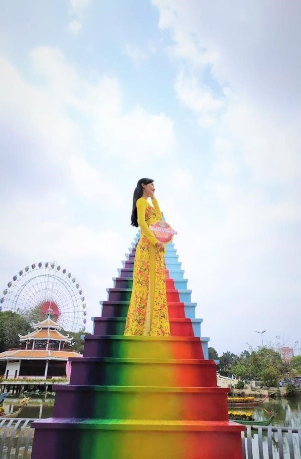 Xuất hiện 'cầu vồng chân mây' ở Sài Gòn khiến dân tình muốn xách balo lên và đi - 7