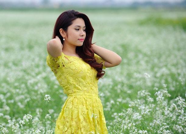 Nữ MC thể thao ăn mặc quá gợi cảm trên sóng truyền hình Việt là ai? - 6