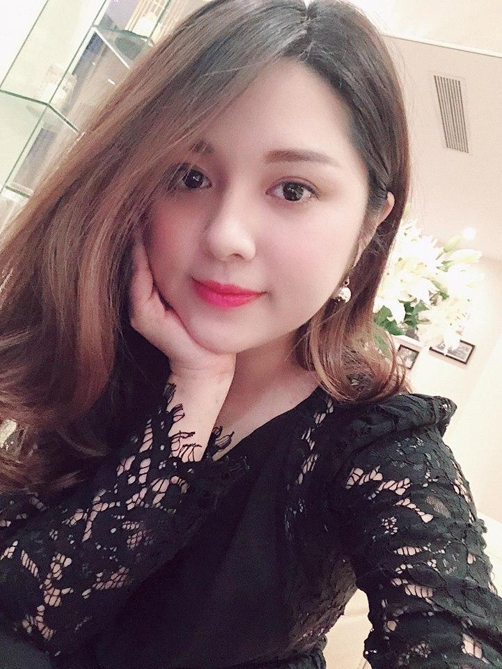 Nữ MC thể thao ăn mặc quá gợi cảm trên sóng truyền hình Việt là ai? - 12