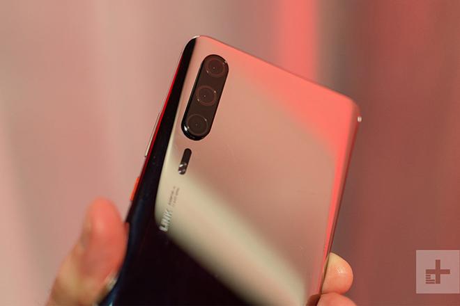 Hình ảnh đầu tiên của Huawei P30 Pro trong đời thực, đẹp khó cưỡng - 2