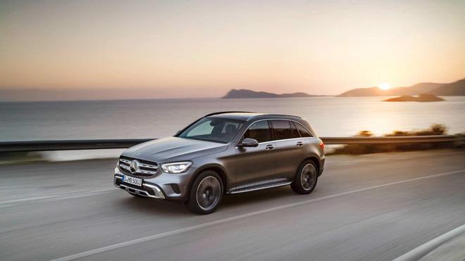 """Mercedes-Benz tung teaser """"nhá hàng"""" GLC Facelift 2020 mới - 2"""