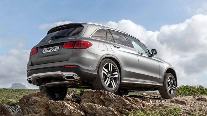 """Mercedes-Benz tung teaser """"nhá hàng"""" GLC Facelift 2020 mới - 3"""