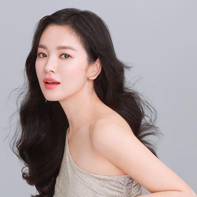 4 bí quyết để Song Hye Kyo trẻ mãi dù đã 40 tuổi - 2