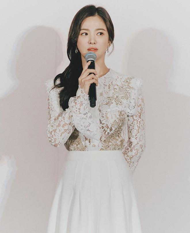 4 bí quyết để Song Hye Kyo trẻ mãi dù đã 40 tuổi - 4