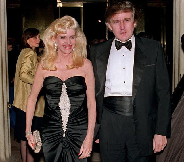 """Tổng thống Donald Trump thời trẻ đẹp trai như """"nam thần"""" với thời trang lịch lãm - 7"""