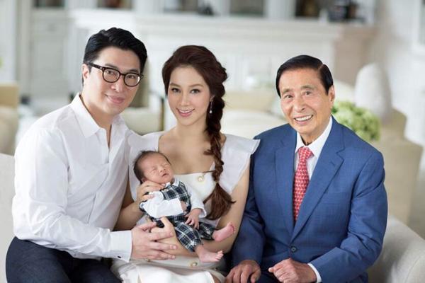 """2 """"cô dâu nghìn tỷ"""" Hồng Kông: Người mẫu nổi tiếng bỏ tất cả để vào cửa hào môn - 2"""