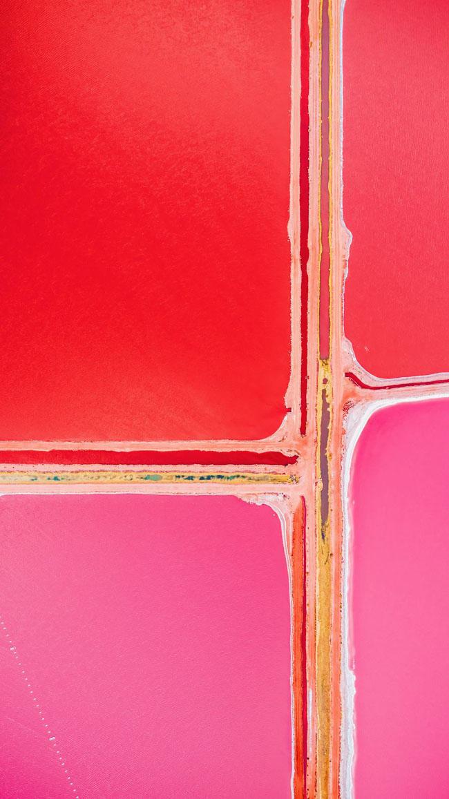 Giật mình phát hiện hồ nước màu hồng duy nhất trên thế giới - 9