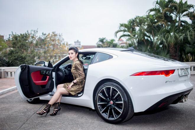 """Á hậu Huyền My """"tậu"""" xe thể thao Jaguar F-Type giá 6 tỷ đồng - 3"""