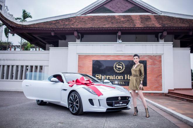 """Á hậu Huyền My """"tậu"""" xe thể thao Jaguar F-Type giá 6 tỷ đồng - 1"""