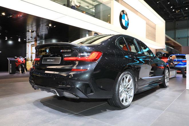 BMW giới thiệu sedan hiệu suất cao M340i tại GMS 2019 - 13