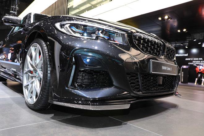 BMW giới thiệu sedan hiệu suất cao M340i tại GMS 2019 - 12