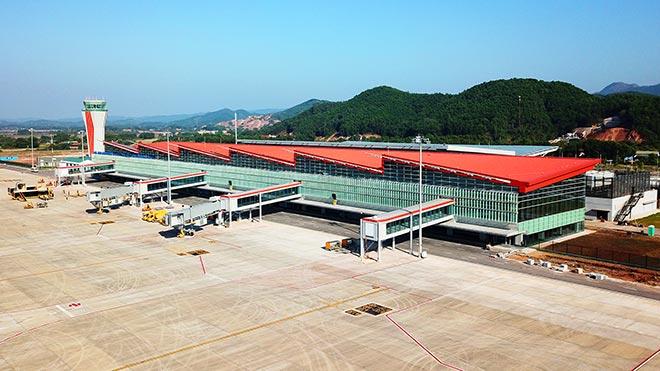 Du lịch miền Trung – Tây Nguyên: Áp lực lớn vì thiếu sân bay, cảng biển - 1