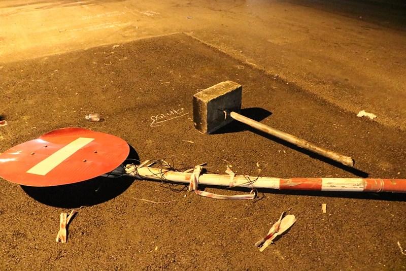 Nam thanh niên chết vì đâm phải rào chắn ở giữa đường - 3