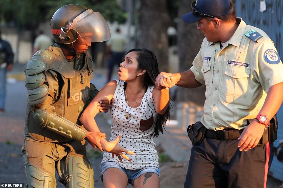 Venezuela chìm trong bóng tối ngày 5: Cướp bóc tràn lan, nhiều bệnh nhân chết - 6
