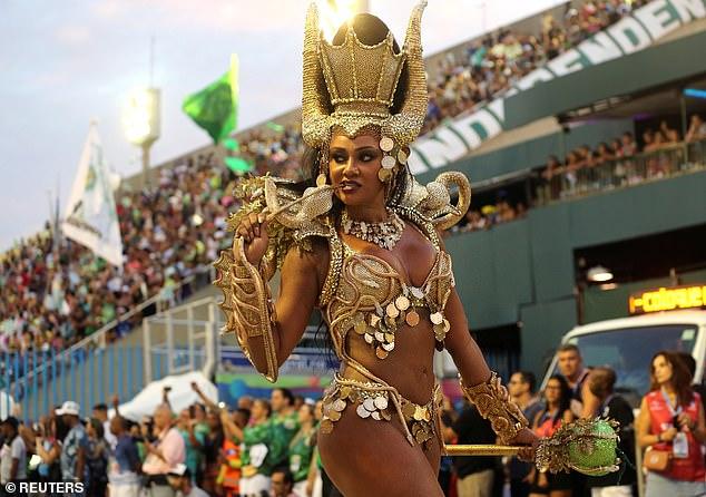 Tình cũ của Neymar khoe vẻ đẹp bốc lửa trong lễ hội sexy nhất Brazil - 6