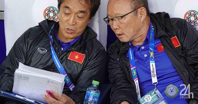 Đã đến lúc cần cố định đội trợ lý cho thầy Park
