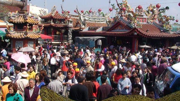 """Ngôi chùa """"hào phóng"""" nhất thế giới, người dân túng thiếu có thể đến vay tiền - 6"""