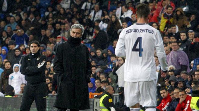 Vì sao Real chọn Zidane: Thủ lĩnh Ramos thao túng, dằn mặt Mourinho? - 2