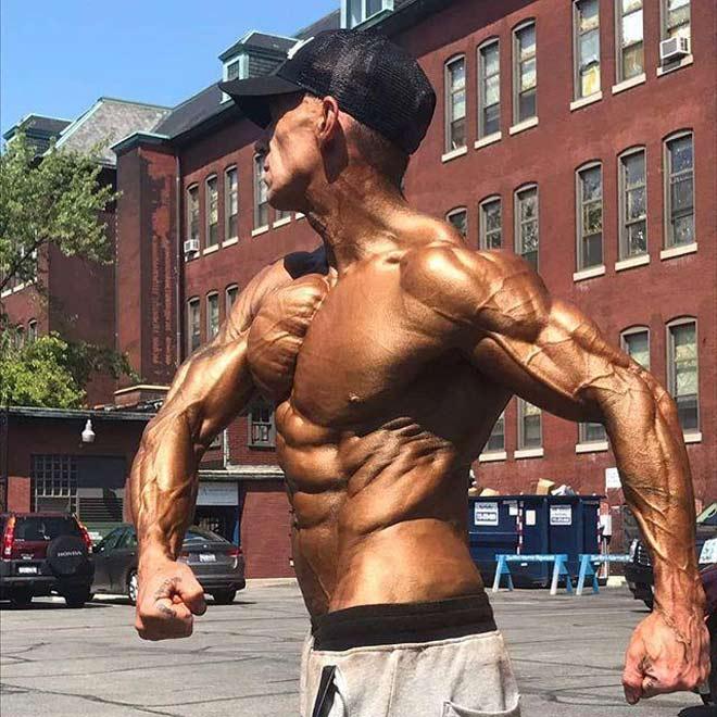 """Siêu VĐV thể hình chỉ có 3% mỡ: """"Đồng nhân"""" cơ bắp cuồn cuộn như sắt đá - 1"""