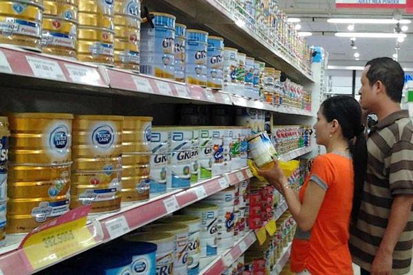 Người Việt tăng chi tiền mua sữa ngoại - 1