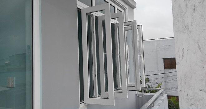 Tổng hợp những mẫu cửa nhựa lõi thép cho nhà đẹp thêm sang - 4