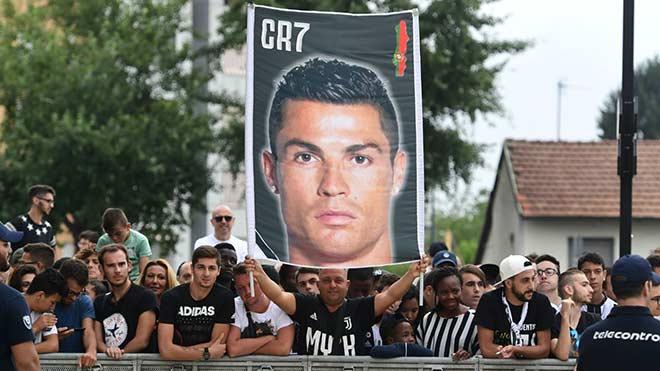 """Ronaldo cứu Juventus Cúp C1: Chứng khoán khuynh đảo vì hat-trick """"thần thánh"""" - 2"""