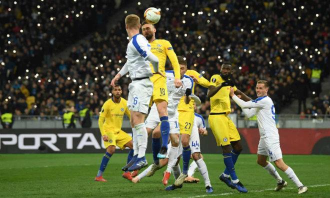 Dynamo Kyiv - Chelsea: Hat-trick siêu đẳng, chiến thắng hủy diệt - 1