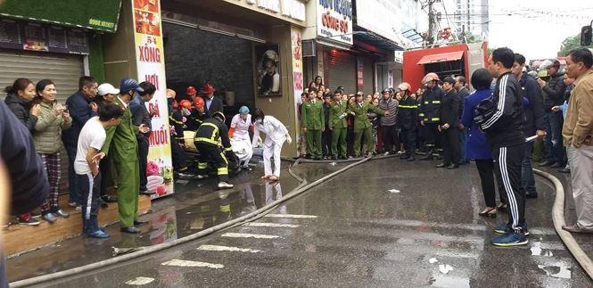 Hiện trường vụ cháy khách sạn kinh hoàng ở Hải Phòng - 9